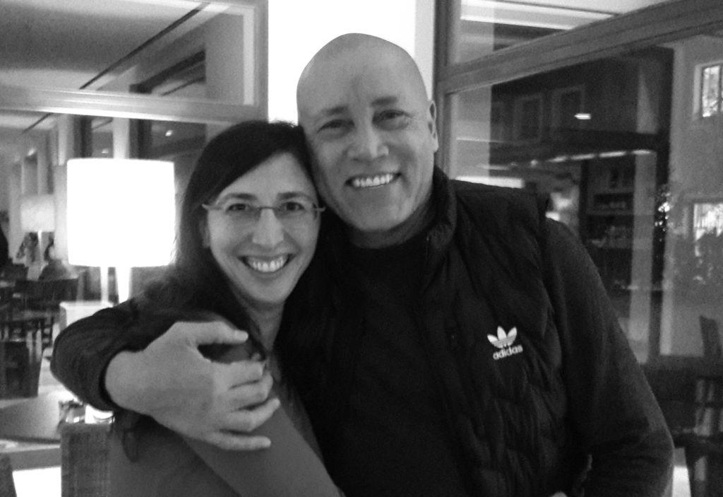 busti in bianco e nero di Roy Martina e Elisa Staderini in primo piano