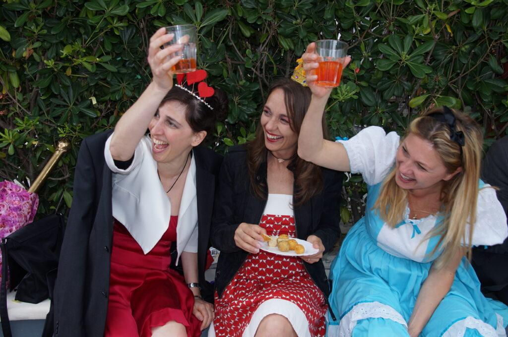 invitati al matrimonio di Alice nel Paese delle Meraviglie